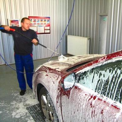 Ručné umytie - osobného vozidla